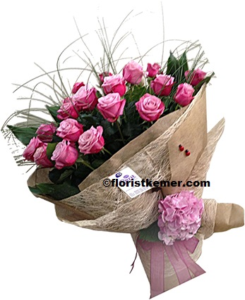kutuda beyaz güller 21 Adet Pembe Gül Buket
