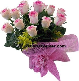 kutuda beyaz güller 15 Adet Pembe Gül Buket