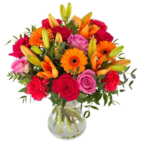 siyah kutuda 25 adet kırmızı gül Vazoda Renkli Çiçekler