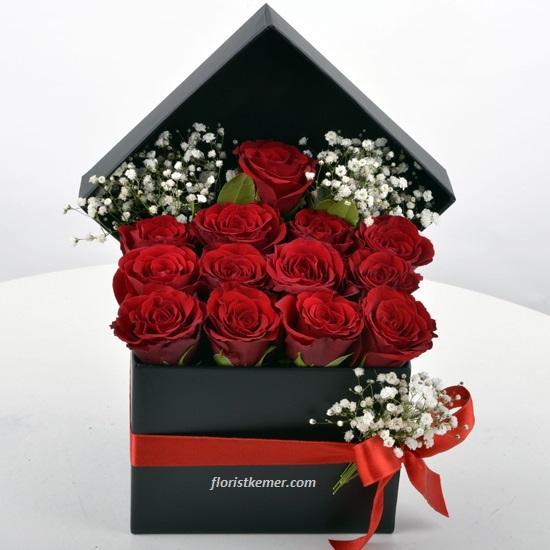 kalp kutu gül & raffaello Kutuda 13 Adet Kırmızı Gül